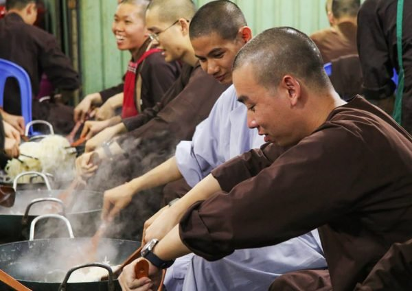 buddhist traditions lunar new year vietnam