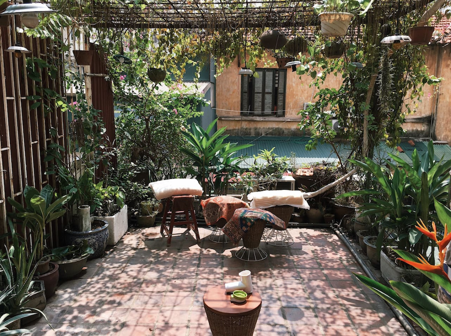 Le-Bleu-Art-Decor-Loft-Apartment